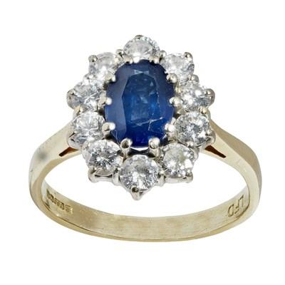 Lot 67 - A sapphire and diamond set cluster ring