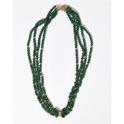 Lot 114 - A beaded malachite necklace