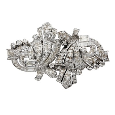 Lot 56 - An early 20th century diamond set clip brooch