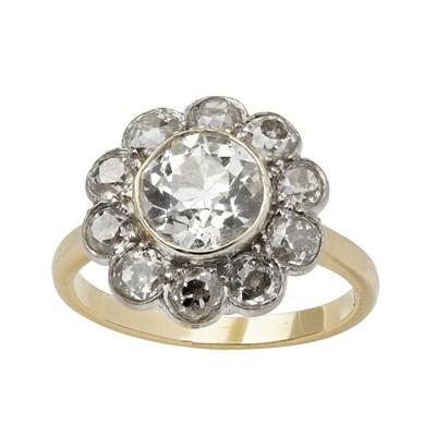 Lot 5 - A diamond set cluster ring