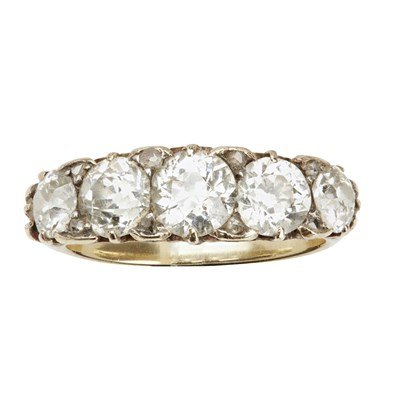 Lot 13 - A Victorian five stone diamond set ring
