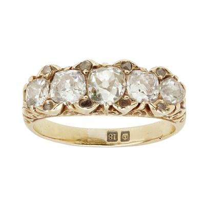 Lot 14 - A Victorian five stone diamond set ring