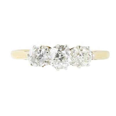 Lot 141 - A three stone diamond ring