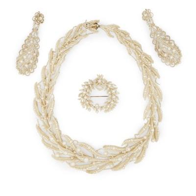 Lot 1 - A Regency period seed-pearl parure