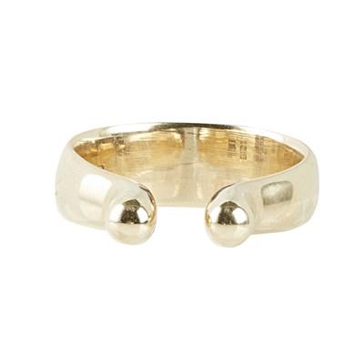 Lot 5 - A contemporary 14k gold ring, Hans Hansen
