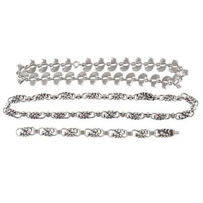 Lot 4 - A silver necklace, George Tarratt