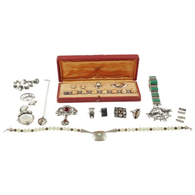 Lot 13 - A collection of silver and gem set jewellery