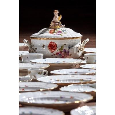 Lot 19-EXTENSIVE MEISSEN 'DEUTSCHE BLUMEN' PORCELAIN PART DINNER, TEA AND COFFEE SERVICE