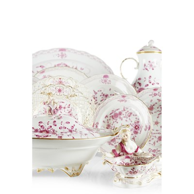 Lot 25-MEISSEN 'INDIAN PINK' PORCELAIN PART DINNER, TEA AND COFFEE SERVICE