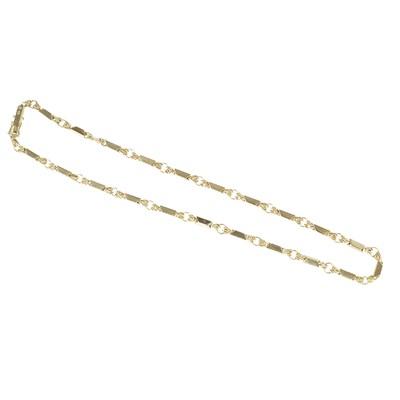 Lot 40 - A fancy link chain