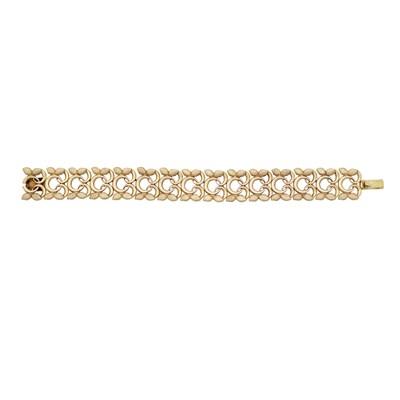 Lot 25 - An Edwardian 9ct gold fancy link bracelet