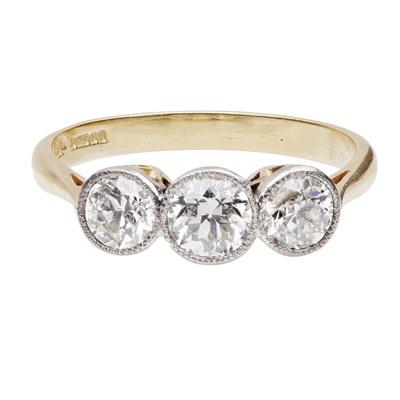 Lot 49 - A three stone diamond ring