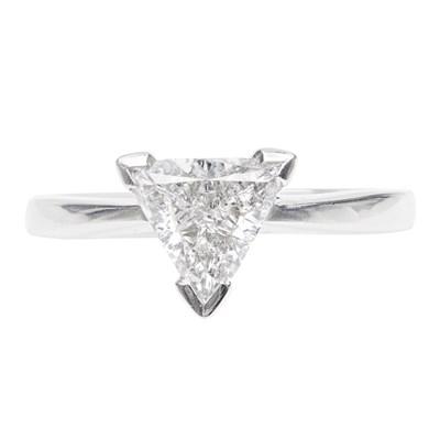 Lot 42-A single stone diamond ring