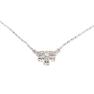 Lot 54 - A diamond set necklace