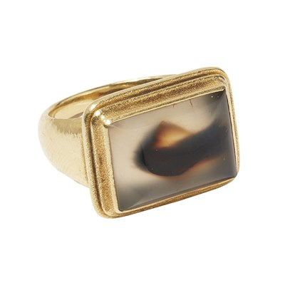 Lot 31-An agate ring, Jean Francois of Bali