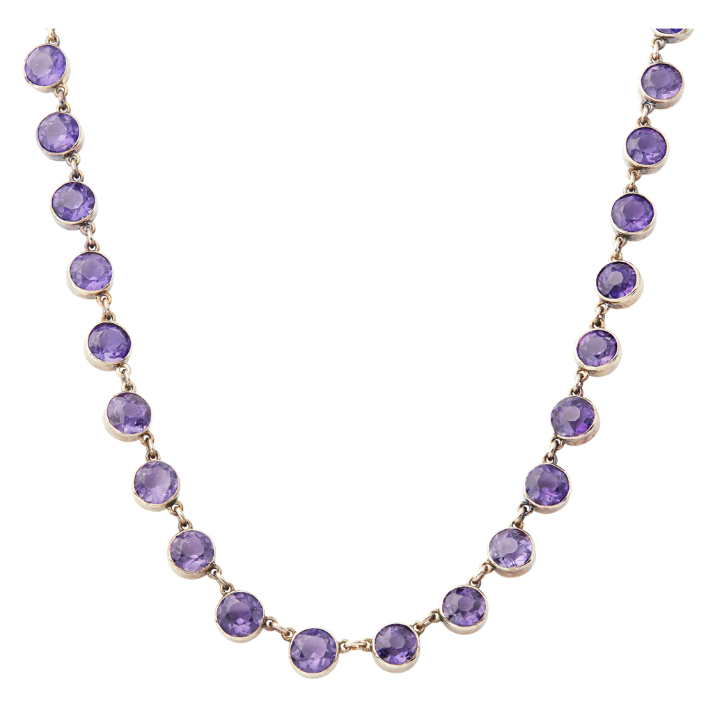 Lot 47-An amethyst set necklace