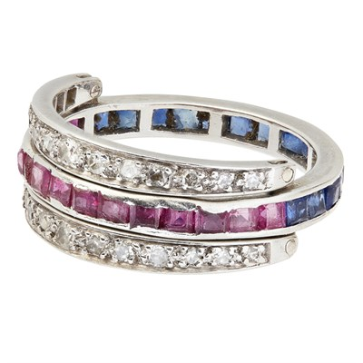 Lot 74-A gem set swivel ring