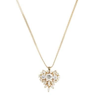 Lot 87-A diamond set cluster pendant brooch