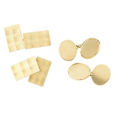 Lot 44-A pair of 18ct gold cufflinks