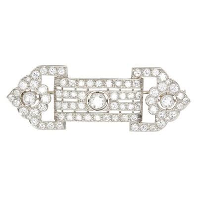 Lot 11-An Art Deco diamond set brooch