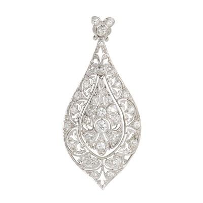 Lot 12-A Belle Époque diamond set pendant