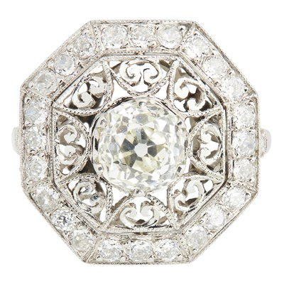 Lot 4-A diamond cluster ring