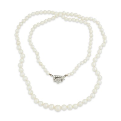Lot 44-A 1920s natural pearl and diamond set necklace