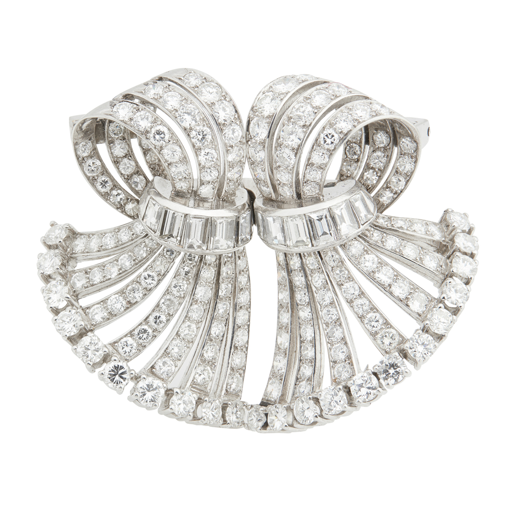Lot 32-A 1940s diamond set double clip