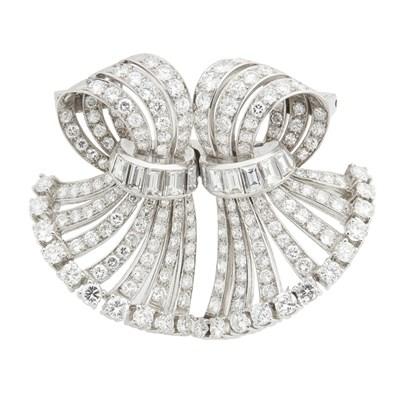 Lot 32-A 1940s diamond set double clip
