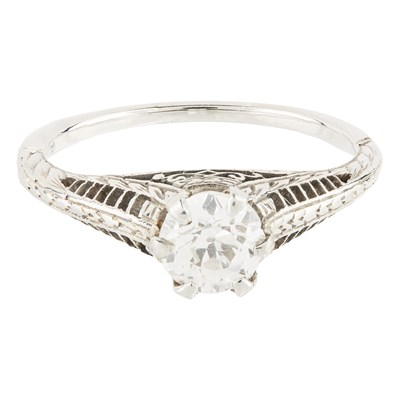 Lot 2-A single stone diamond ring