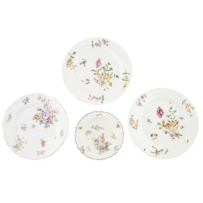 Lot 52-GROUP OF CHELSEA AND VIENNA PORCELAIN PLATES