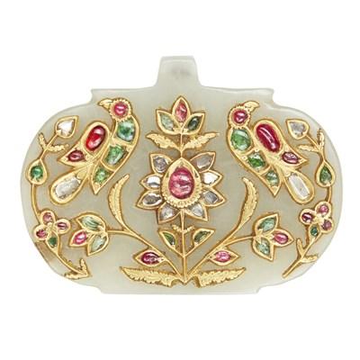 Lot 48-An Indian gem and diamond set jade pendant <em>(haldili)</em>