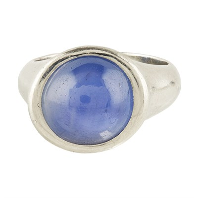 Lot 43-A star sapphire set ring