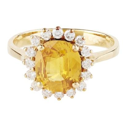 Lot 102 - A suite of fancy orange sapphire and diamond set jewellery