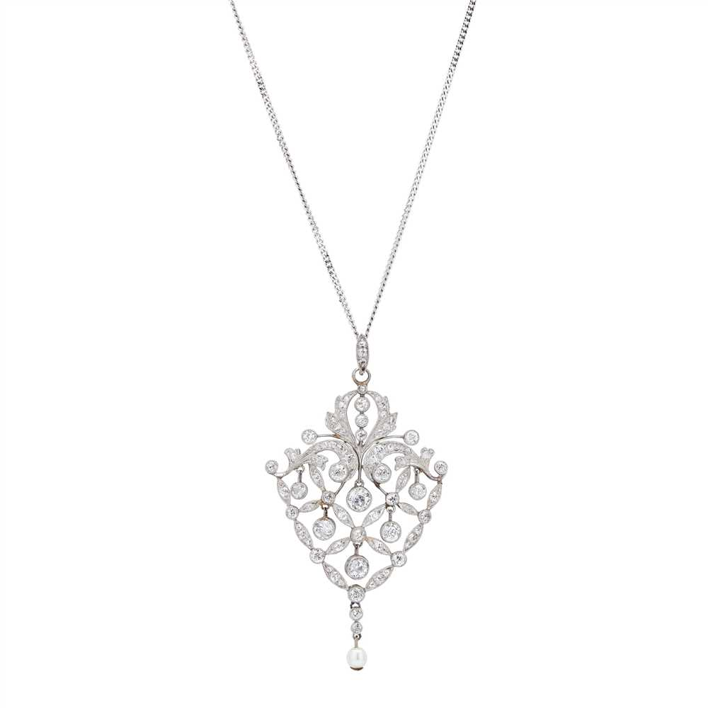 Lot 1-An Edwardian diamond set pendant