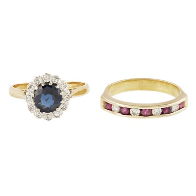 Lot 20-A sapphire and diamond cluster ring