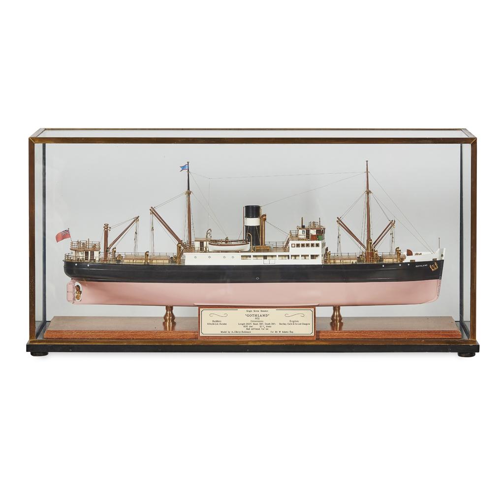 Lot 197 - A MODEL OF A SINGLE SCREW STEAMER