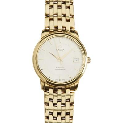 Lot 326 - A gentleman's 18ct gold wrist watch, Omega