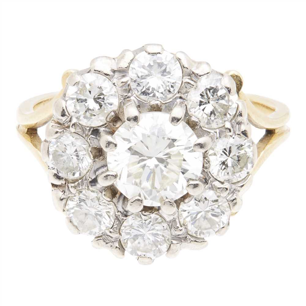 Lot 39-A diamond cluster ring