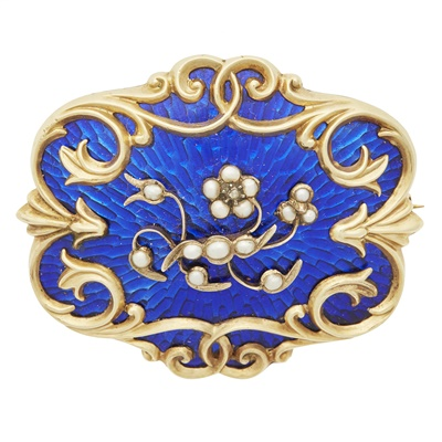 Lot 56-An early Victorian enamel and pearl set mourning brooch