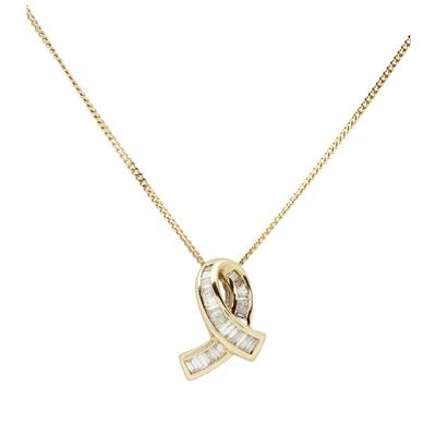 Lot 110 - An 18ct gold diamond set pendant necklace