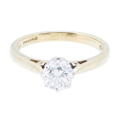 Lot 107 - A single stone diamond set ring