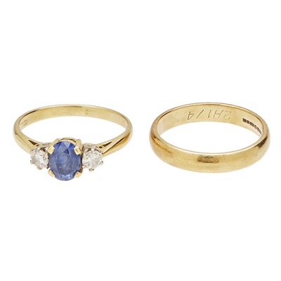 Lot 11-A sapphire and diamond set ring