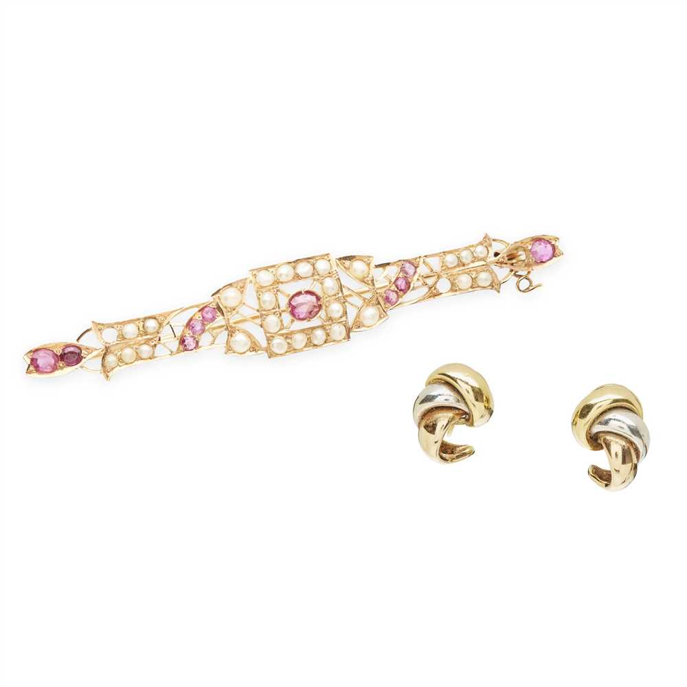 Lot 31-A pearl and ruby set bar brooch