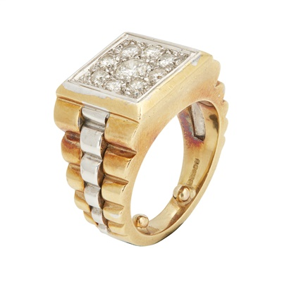 Lot 135 - A gentleman's diamond cluster ring