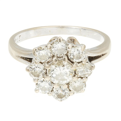 Lot 6-A diamond cluster ring