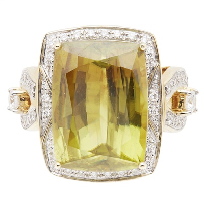 Lot 92 - A green tourmaline and diamond set cocktail ring