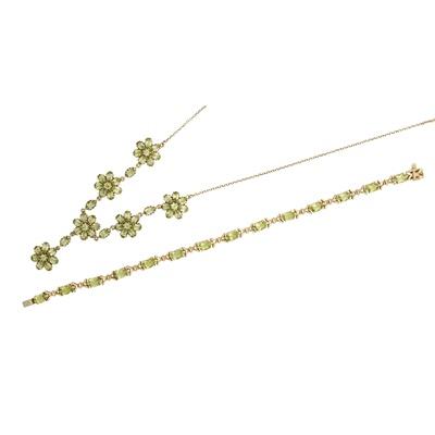 Lot 80-A modern peridot set necklace