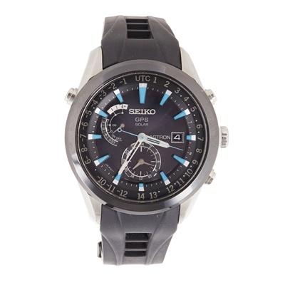 Lot 339 - A gentleman's stainless steel wrist watch, Seiko