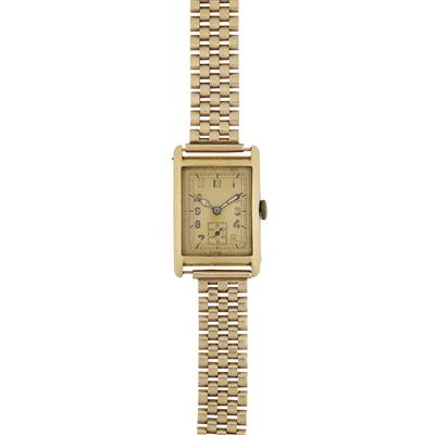 Lot 340 - A gentleman's 18ct gold cased wrist watch